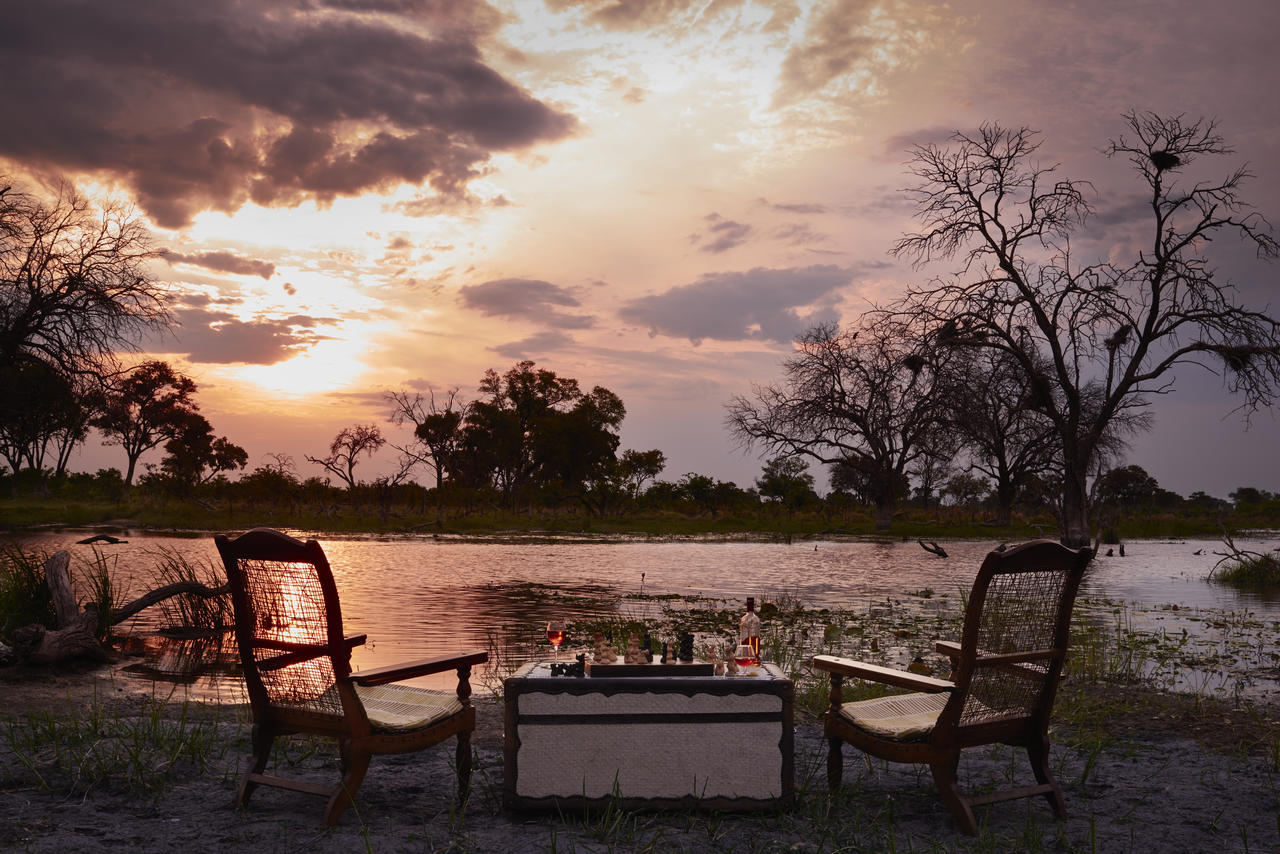 Khwai River Lodge sundowners