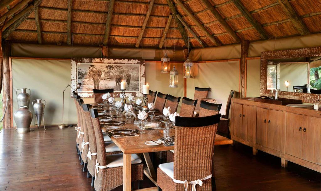 KHULU-Lodge dining area