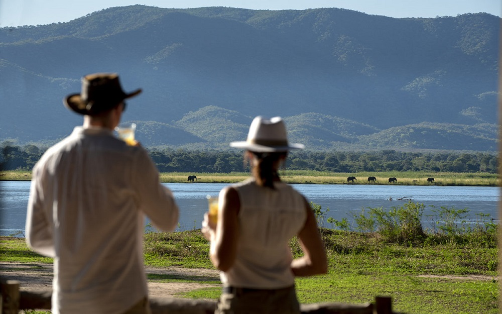Liquid Giraffe, African Safari, African Safari Destinations, Southern Africa Safaris, Mana Pools National Park