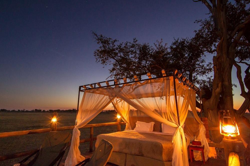 Sleep Out Decks Botswana, Liquid Giraffe, Botswana Safari